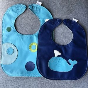 Mally Bibs Leather with magnet closure Lg & Sm